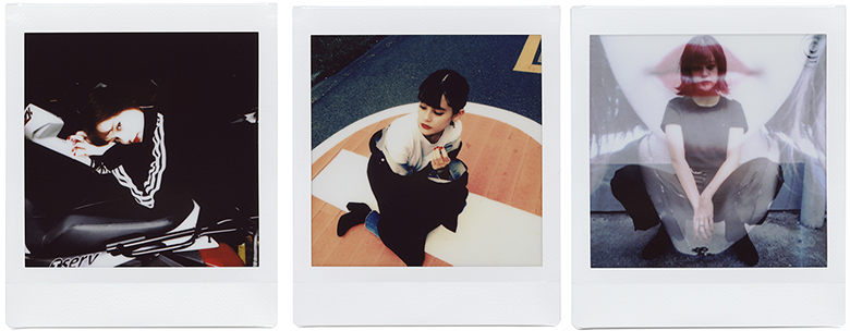 【HANDSOME GIRLS】emma meets instax SQUARE SQ10 0925_emma_switch_01