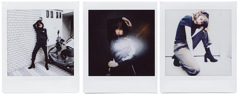 【HANDSOME GIRLS】emma meets instax SQUARE SQ10 0925_emma_switch_03