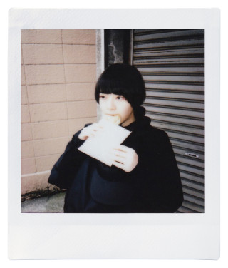in living.のチェキ録 vol.01 0400_cheki_inliving_vol01_05-320x376