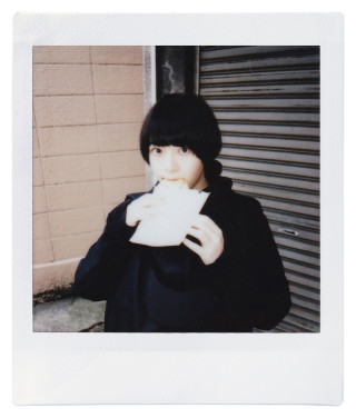 in living.のチェキ録 vol.01 0400_cheki_inliving_vol01_06-320x376
